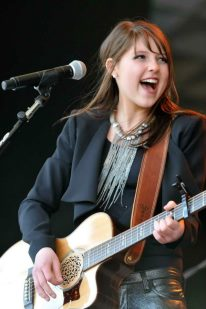 Caroline Kole, Discovered by The Dray, Opens for Reba Concert